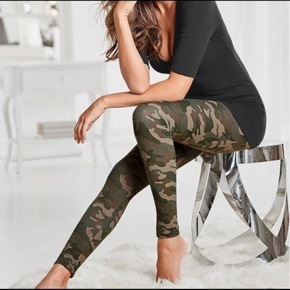 Classic Woman Pants - Camouflage Leggings